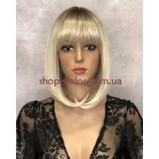 Перука Боб каре № 2140 тон Y930 блондин з ефектом відрослого коріння